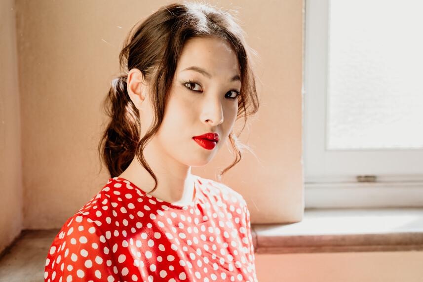 Sun Hee You suona Chandeliers